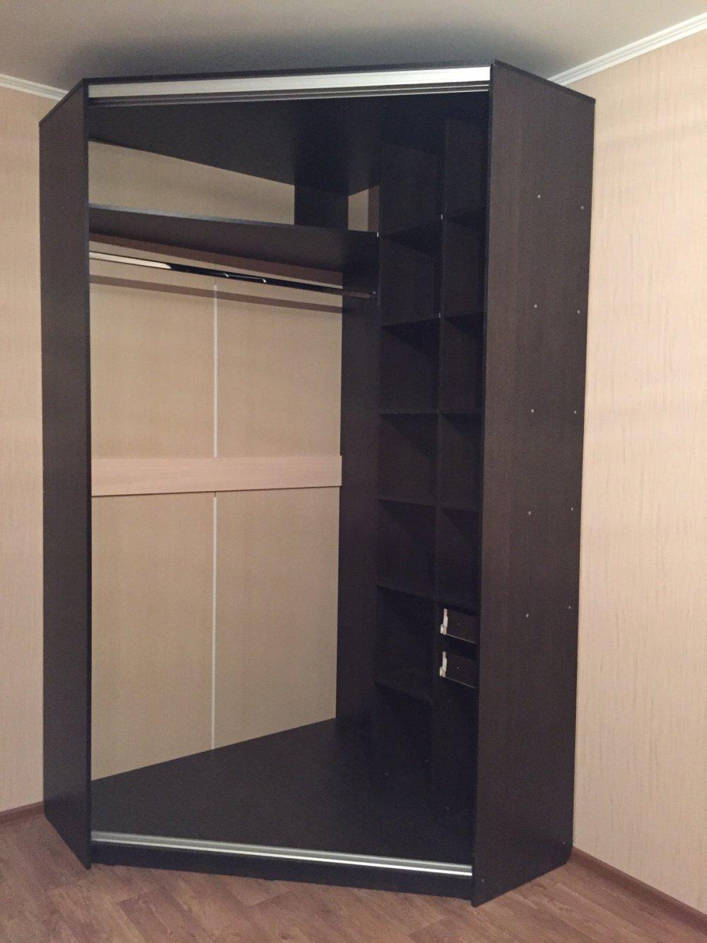 фото углового шкафа купе